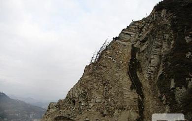 旬阳水电站右岸坝肩边坡安全监测工程